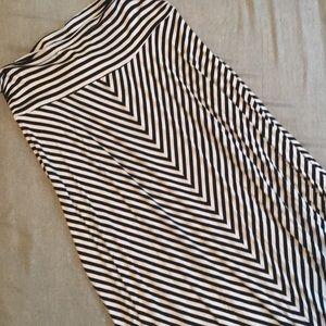 🆕Merona Maxi Skirt